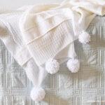 1-DIY pom blanket