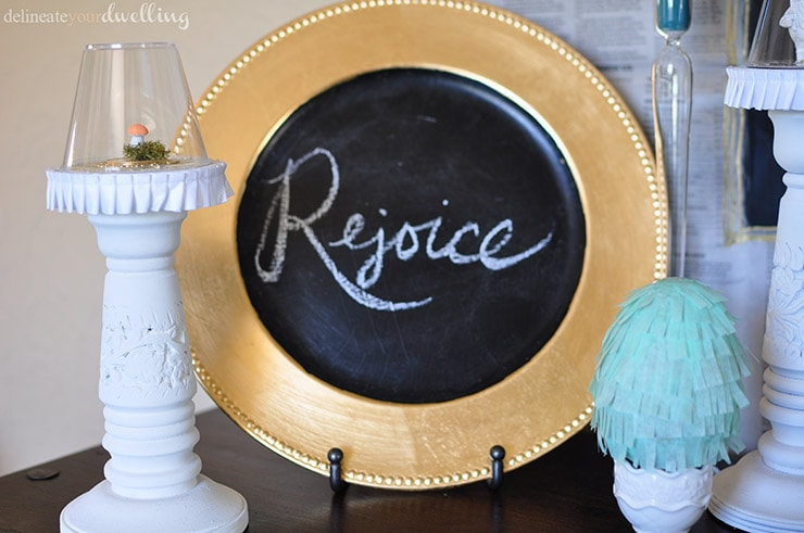 Learn how to make a gorgeous and unique backdrop for any party! Create a newspaper chalkboard wall and celebrate in style. Delineate Your Dwelling #partybackdrop #DIYbackdrop #newspapercraft