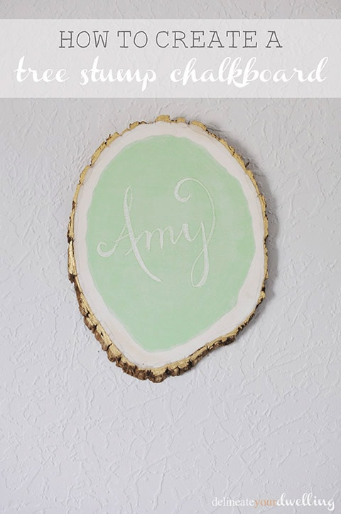Learn how to make a custom chalkboard from a tree slice!  This is such a fun craft DIY project with a ton of personality. Delineate Your Dwelling #chalkboard #MarthaStewartpaint #treestrump