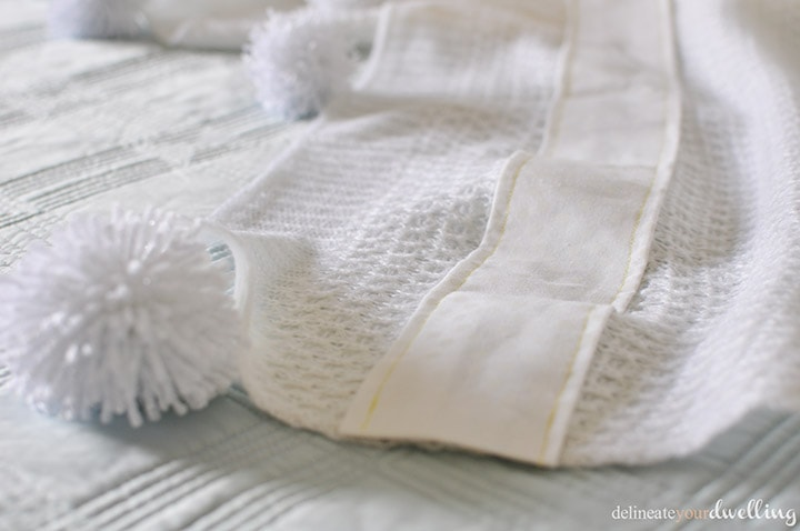 white throw blanket