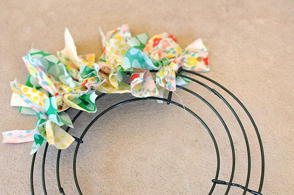 Summer Fabric Wreath steps