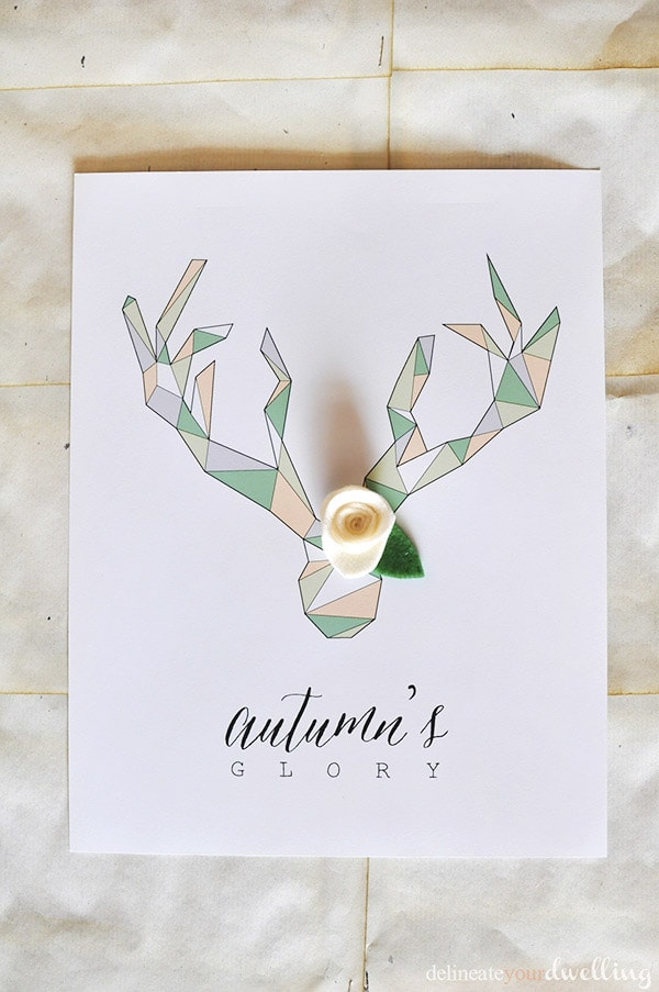 Download your free Geometric Deer Antler Printable page now and then learn how to add a few felt flowers to it. The perfect Fall Decor for your home. Delineateyourdwelling.com #FALLprint #geometricdeer