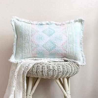 DIY-Thrift-Store-Placemat-Pillow