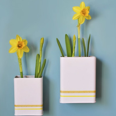 Magnetic DIY Daffodil Planters