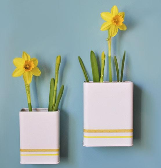 Magnetic DIY Daffodil Planters