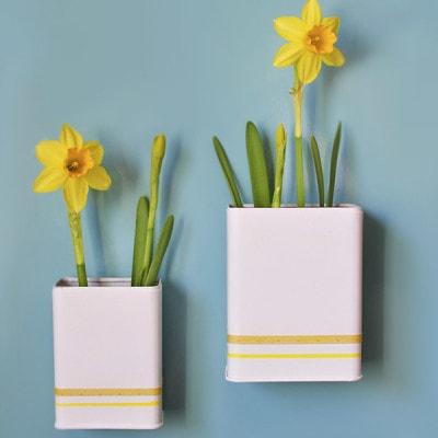 Magnetic DIY Daffodil Planter