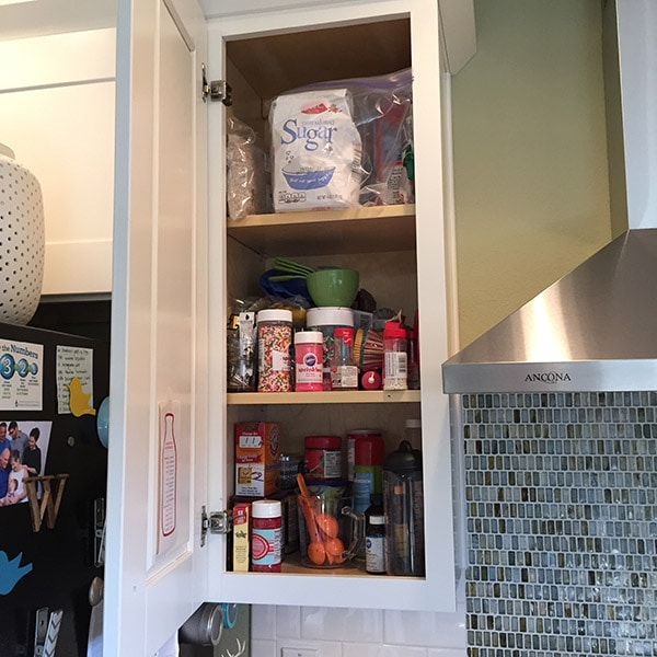 Kitchen Cabinet BEFORE - 15 Minute : Kitchen Cabinet Organizing