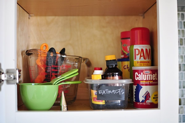 15 Minute : Kitchen Cabinet Organizing