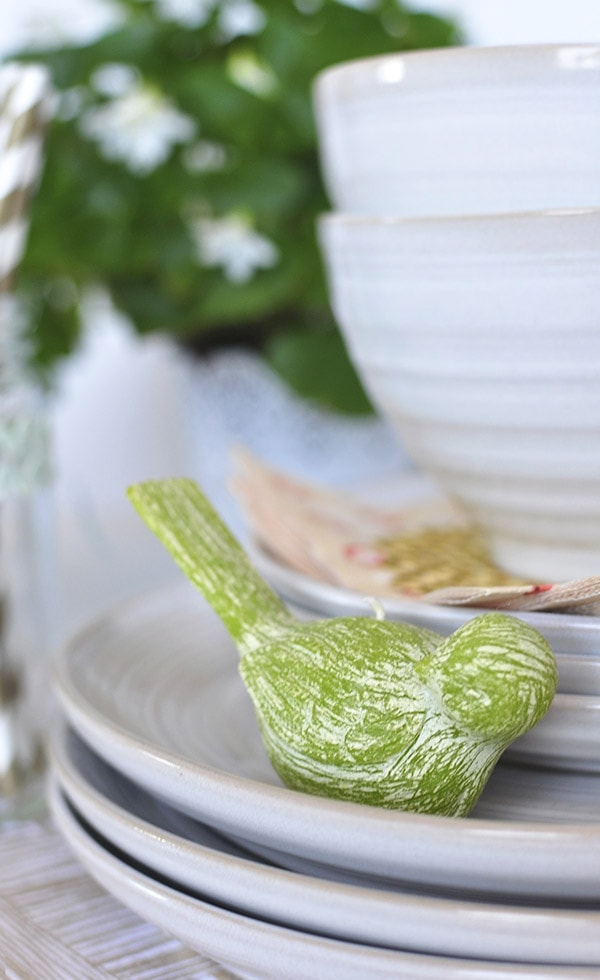 Spring Table Setting Bird, Delineateyourdwelling.com