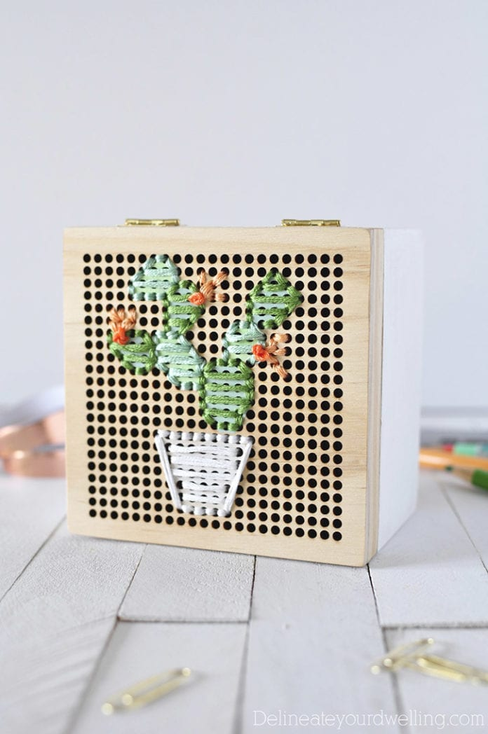 Simple Cacti Embroidery Box2