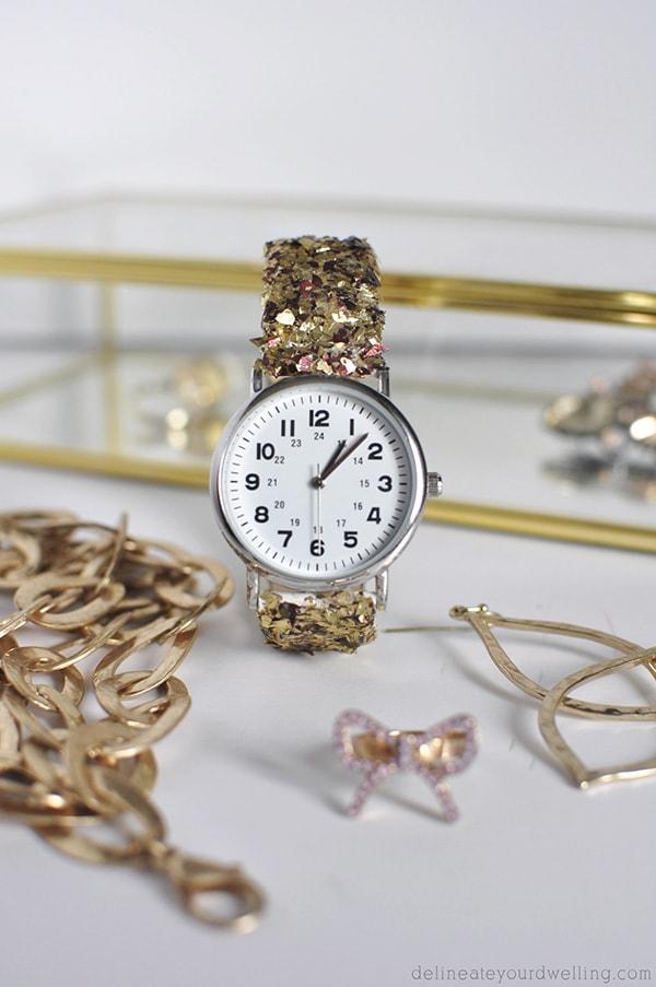 DIY Glitter Watch, Delineateyourdwelling.com