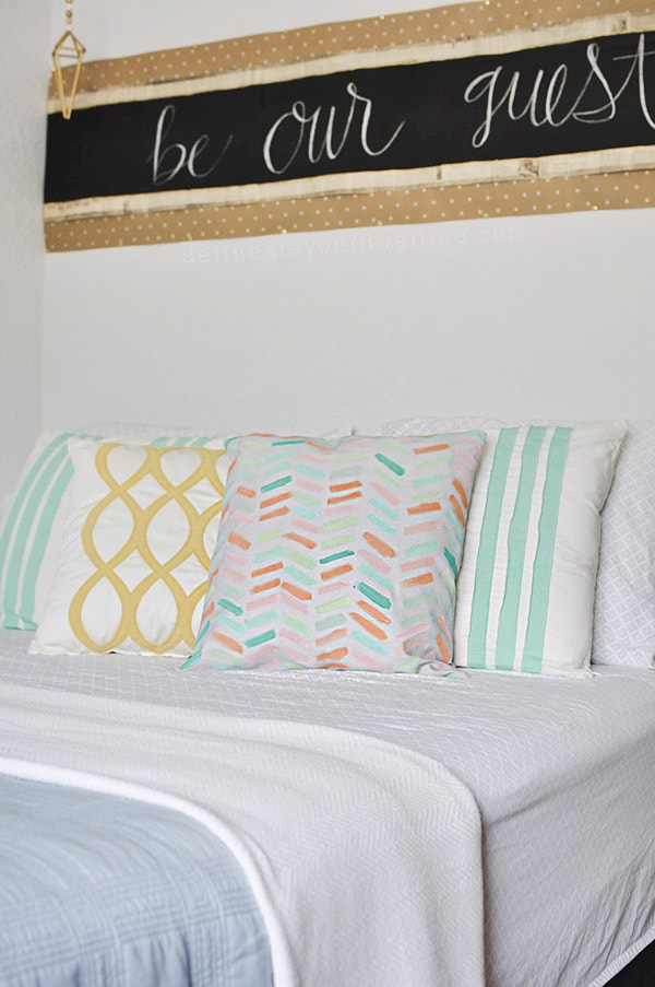 Easy and fun DIY Pastel Painted Pillow Cover, Delineate Your Dwelling