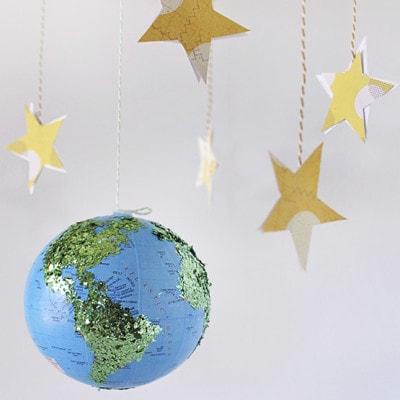 1 DIY Glitter Globe Mobile