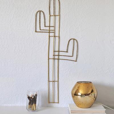 1 Easy Cacti Wall Decor