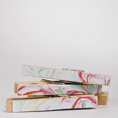 DIY Marbled Clothes Pins, Delineateyourdwelling.com