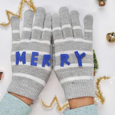1 Merry Felt Mittens