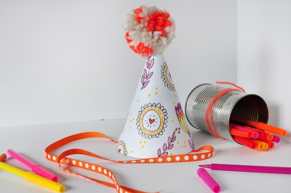 Color Your Party Hat