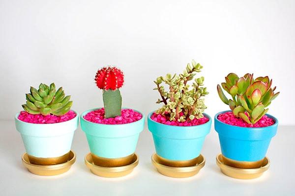 Gold-Dipped-Plant-Pots-plant-diys