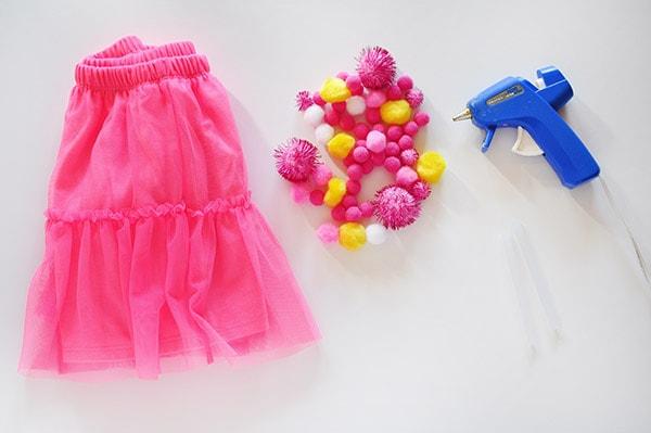 Pom Pom Party Skirt supplies