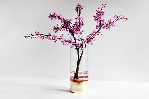How to create a minimalist DIY Gold Foil Vase, Delineate Your Dwelling