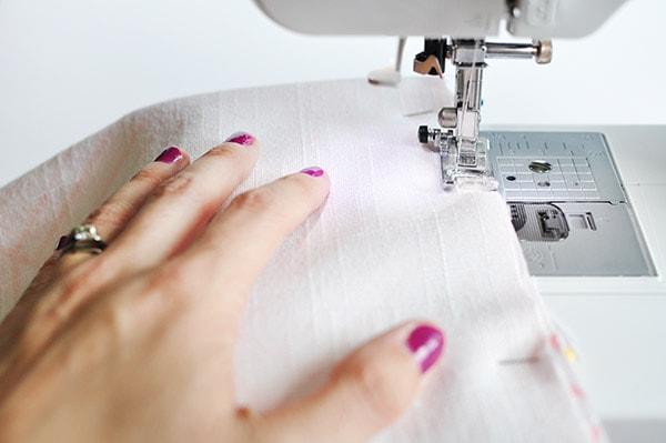 DIY Custom Fabric Pillows sewing