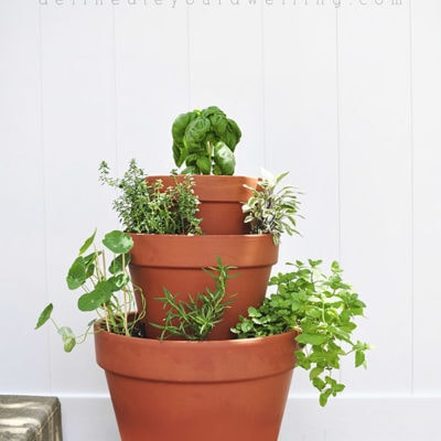 Rental : DIY Stacked Herb Garden, Delineate Your Dwelling