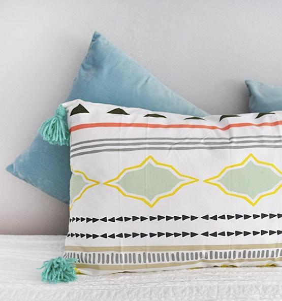 Lounge Tassel Pillow