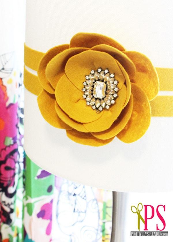 felt flower brooch lamp 3