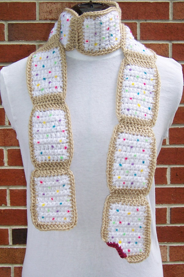 crochet-pop-tart-scarf