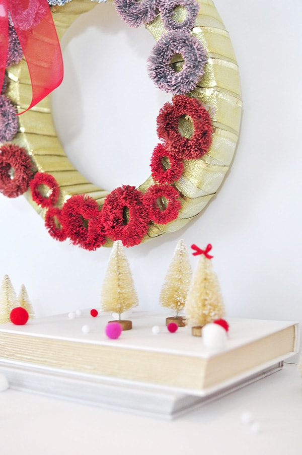 Fun and Festive Ombre Christmas Wreath, Delineate Your Dwelling