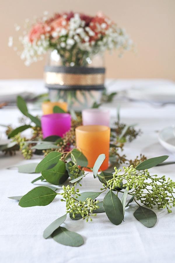 Minimal Thanksgiving Table Decoration with orange and pink