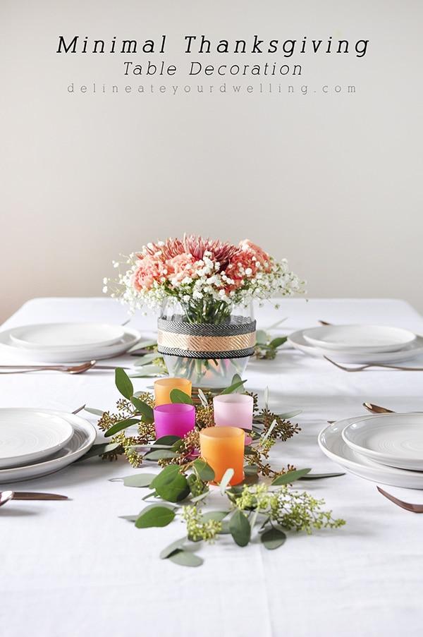 Minimal Thanksgiving Table Decoration