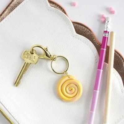 1 DIY Marbled Clay Keychain