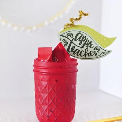 Apple-Mason-Jar red