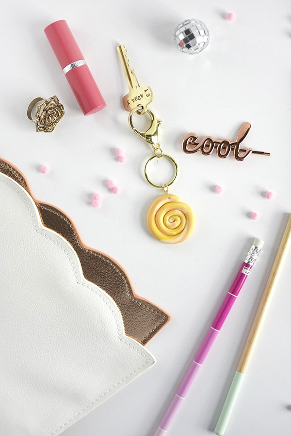 DIY Marbled Clay Keychain, Delineate Your Dwelling