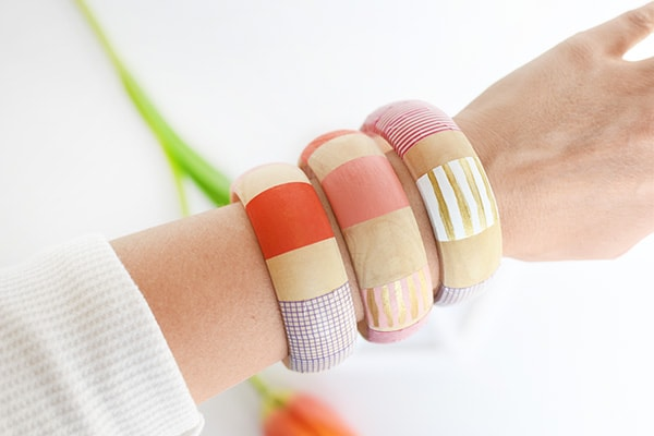 Create these gorgeous DIY Striped Washi Tape Bangles, Delineate Your Dwelling