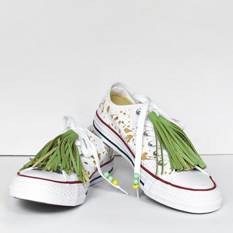 1-DIY-Green-Tassel-Chuck-Taylor-Tennis-Shoes