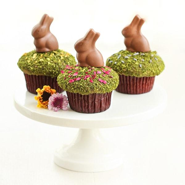 Easter matcha-moss-cupcakes