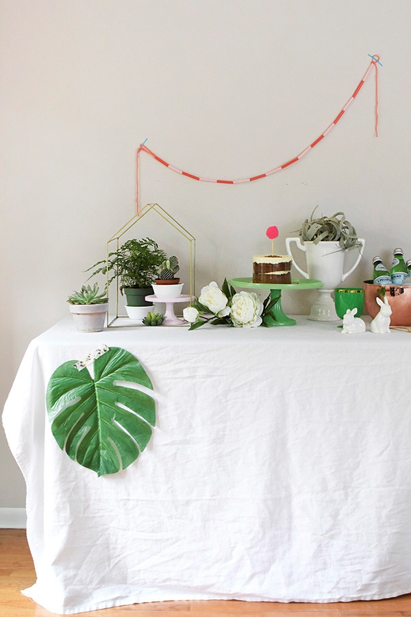 Find easy tips for creating the Perfect Spring Tablescape using Plants as your main decor item. Enjoy bringing some living green into your space. Delineate your dwelling #springplantdecor #planttablescape #plantparty