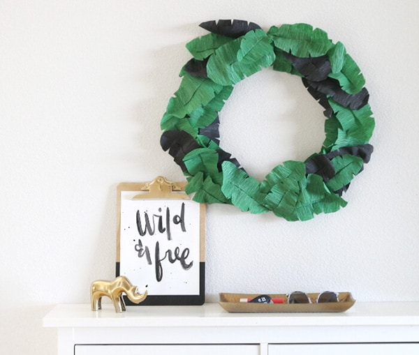 banana-leaf-wreath-green