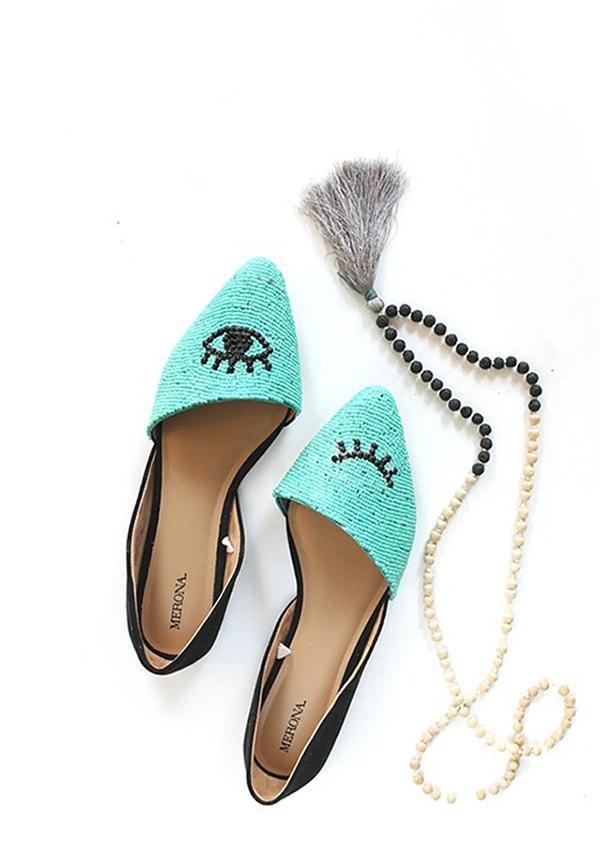 Blue DIY-Beaded-Shoes-Winking-Eye-Pattern-Flat-Tutorial