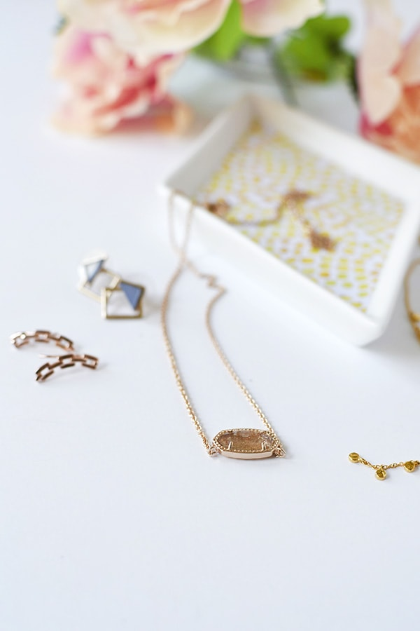 I may never buy Jewelry again with my Favorite Jewelry Subscription box, Rocksbox! From earrings, necklaces, rings and bracelets - every style you could imagine. Delineate Your Dwelling