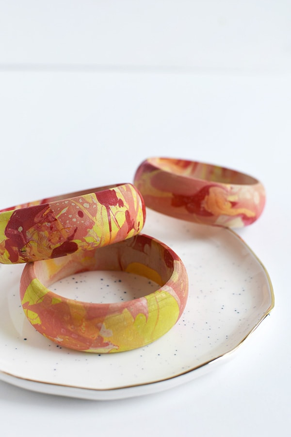How to create a DIY Colorful Marbled Bangle Bracelet! Delineate Your Dwelling