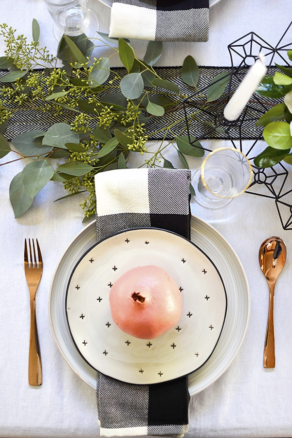 Set your table with this minimal decor for a simple and inexpensive Fall, Autumn or Thanksgiving Table in black, white, green + pink. Easy Thanksgiving table to set yourself. Delineate Your Dwelling #pinkthanksgivingtable #pinktable #pinkthanksgiving