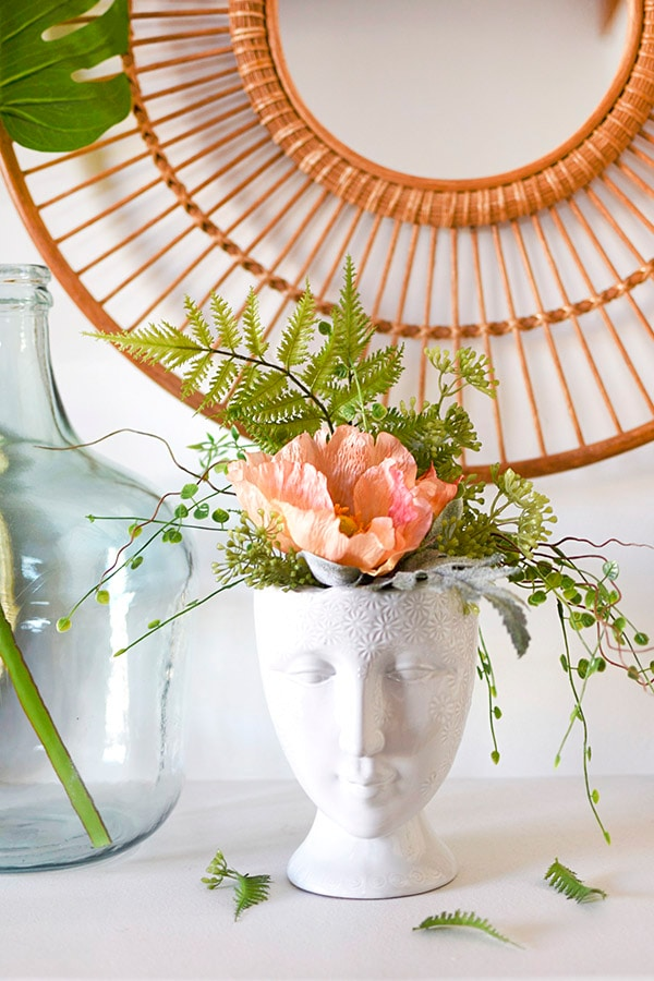 Create a Gorgeous Face Vase Planter with faux flowers, Delineate Your Dwelling #facevase #flowerbouquet