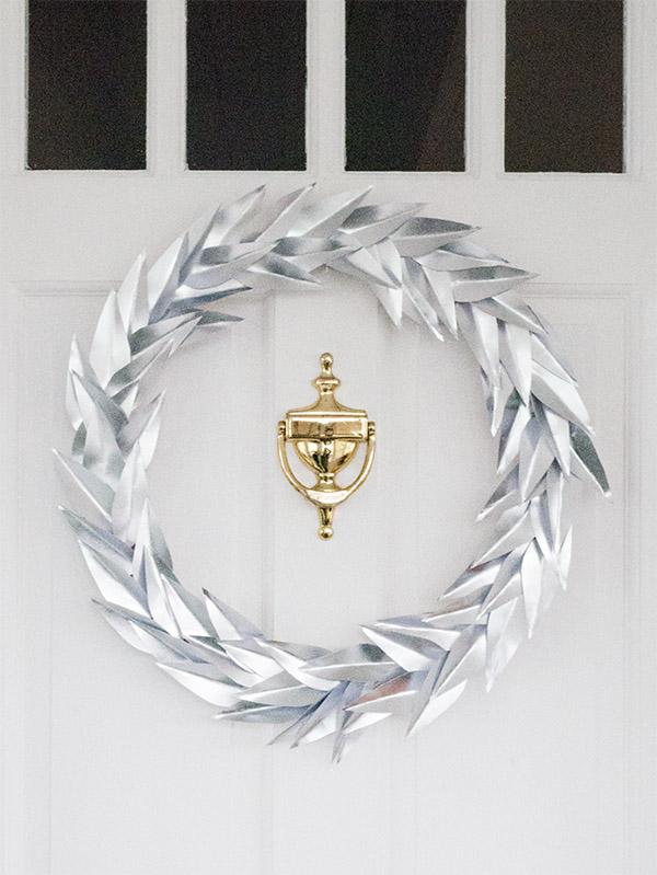 Silver wreath white