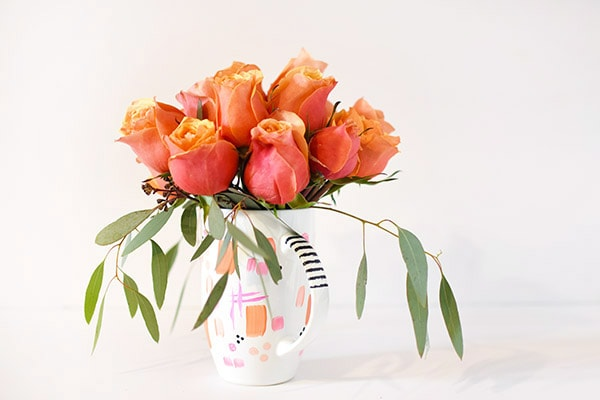 Make a colorful and simple DIY Rose Flower Mug Vase, Delineate Your Dwelling