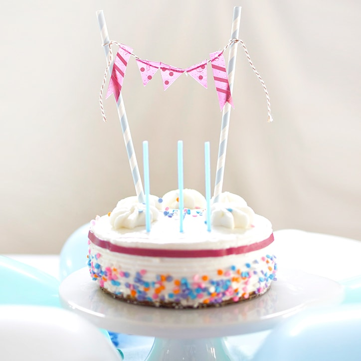1-Cake-Decorations-Welchs-Fruit-Rolls