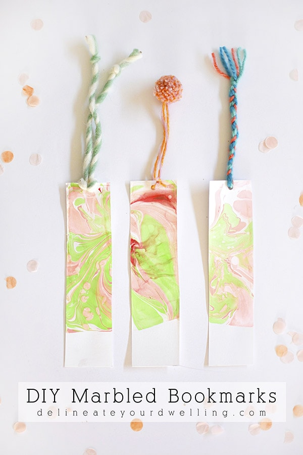 Easy DIY Marbled Bookmarks, Delineate Your Dwelling #marbledcraft #bookmark