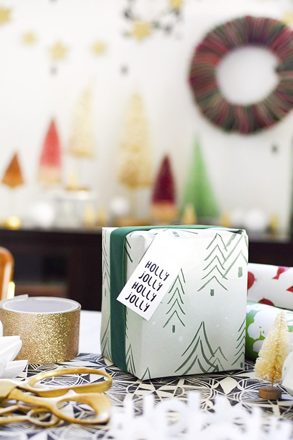How to throw a festive Gift Wrapping Party with Etsy! Delineate Your Dwelling #holidayparty #giftwraptips #wrappingpresents